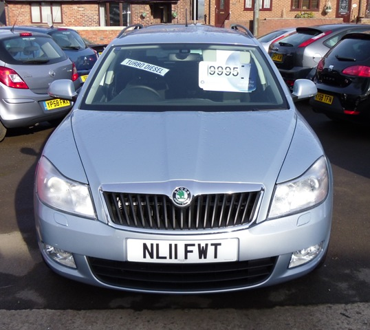 Skoda sold octavia tdi cr 4x4 mickley garage for Garage skoda 92